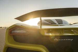 Hennessey Venom F5 Carbon Fiber Chassis Is Shockingly Light