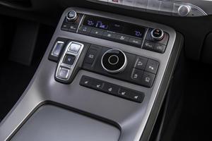 New Hyundai Sante Fe Spied With Upmarket Palisade Interior