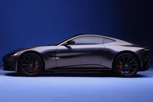 2021 Aston Martin Vantage Coupe Arrives With Manual Box
