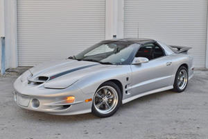 Chevrolet Camaro Owners Will Be Jealous Of This Pontiac Firebird