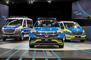 These Mercedes-Benz Police Cars Are Too Cool For America