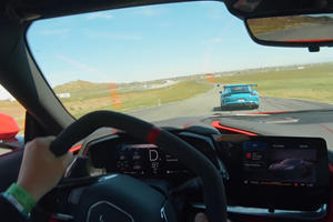 Watch The C8 Corvette Easily Keep Up With A Porsche 911 GT3 RS