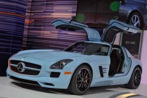 New York 2011: Mercedes-Benz SLS AMG In Gulf Blue And Orange