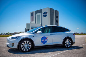Tesla Model X Is The New Car Of Choice For Astronauts