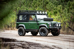 This Rugged Safari-Style Defender Is Resto-Modding Done Right