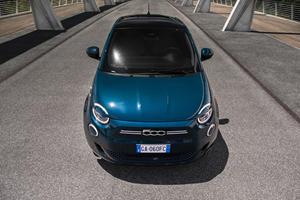 2020 Fiat 500 Hatchback Arrives With 199-Mile Electric Range
