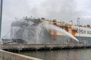 2,000 Cars Melting In Cargo Ship Blaze That Started A Week Ago