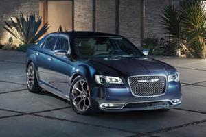 2020 Chrysler 300 Gets Fancy New Chrome Package