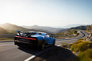 Bugatti Comes To The Nurburgring With All Guns Blazing