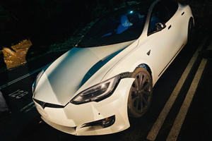Valet Crashes Tesla Model S In Cheetah Stance Mode
