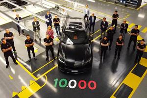 Lamborghini Celebrates Building 10,000th Urus