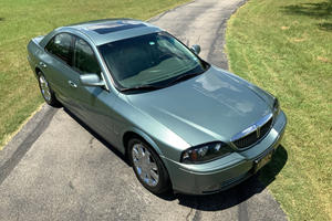 Weekly Treasure: 2004 Lincoln LS V8
