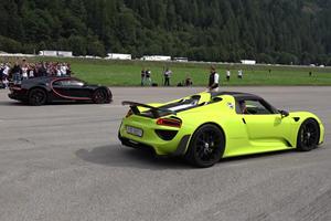 Hypercar Drag Race: Porsche 918 Spyder Vs. Bugatti Chiron