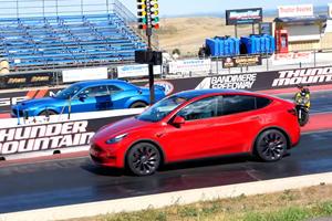 Drag Race: Tesla Model Y Vs. Dodge Challenger Hellcat Redeye