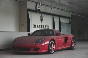 Abandoned Porsche Carrera GT Makes Us Want To Cry