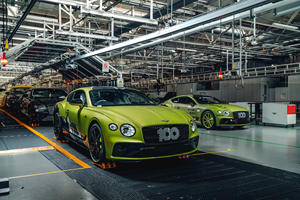 The First Pikes Peak Continental GT Looks Wild Next To Other Bentleys