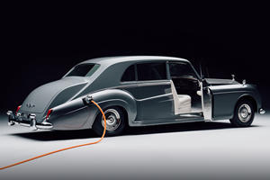Electric Rolls-Royce Brings Classics Into The Future