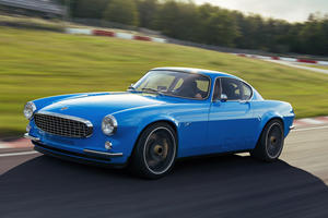 Volvo P1800 Cyan Is A Beauty To Behold