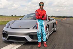 Watch A 16-Year-Old Girl And A Porsche 718 Spyder Set A New Guinness Record