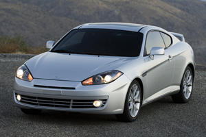 2008 Hyundai Tiburon Review: The Wannabe Sports Car