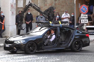 Watch Tom Cruise Drive A BMW M5 With No Doors In Mission Impossible 7