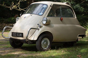 Famously Unsafe: BMW Isetta