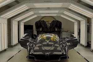 Pagani Delivers The 100th And Final Huayra Roadster