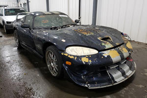 2001 Dodge Viper GTS Nearly Burned To A Crisp