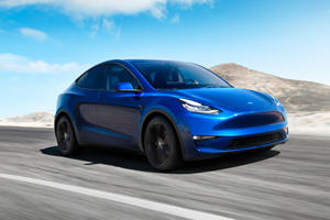 Police Remind Tesla Drivers To Stay Awake While Driving