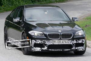 Production BMW M5 Spied