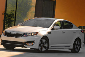 Kia Brings First-Ever Hybrid To The US