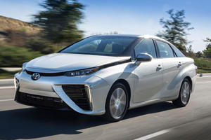 2020 Toyota Mirai Gets Insane $32,000 Price Cut