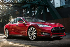 The Feds Demand Tesla Issue A Recall For Failing Touchscreens