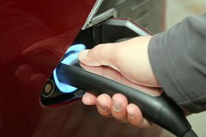 Startup Creates EV Battery That Takes Just Five Minutes To Fully Charge