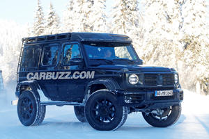 Watch The Mercedes G-Class 4x4 Squared On The Move