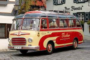 Daimler Remembers the Setra S 6