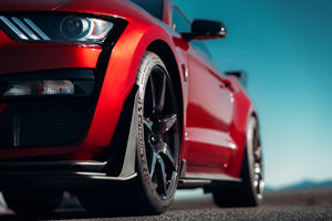 There's A Mustang Shelby GT500 And C7 Z06 Tire Shortage