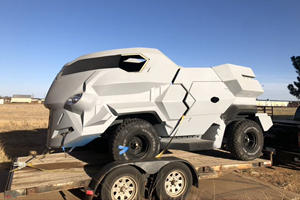 Land Rover Built This Futuristic Taxi For Judge Dredd