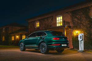 Mulliner Crafts One-Off Bentley Bentayga Hybrid