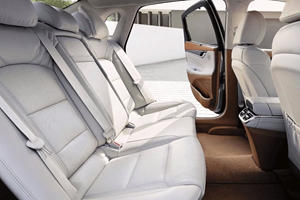 Kia K8's Cabin Looks Like A Fantastic Place To Sit