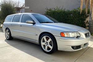 Weekly Treasure: 2005 Volvo V70R
