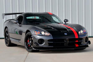 This 2009 Dodge Viper ACR Has Barely Been Driven
