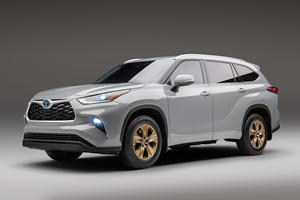 Toyota Spices Up Hybrid Highlander With New Bronze Edition