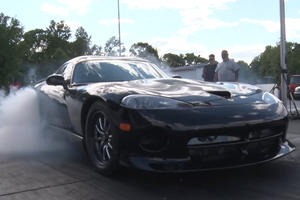 Watch A 3,200-HP Dodge Viper Set A 6.95-Second Quarter Mile