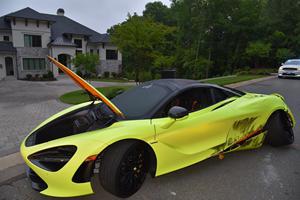 Thieves Trash NFL Star's McLaren 720S