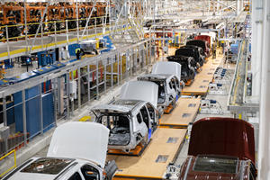 Take A Tour Of The Billion-Dollar Jeep Grand Cherokee L Factory