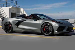 2022 Chevrolet Corvette Stingray Poses In New Photos