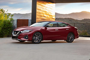 Nissan Shuts Down Production Of Maxima, Leaf and Murano