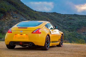 Only FIVE Nissan 370Z Cars Were Sold In America Last Quarter