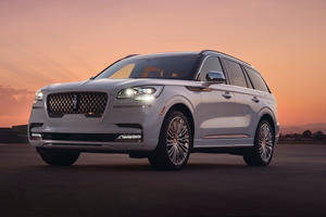 Lincoln Releases Stunning New Aviator Concept